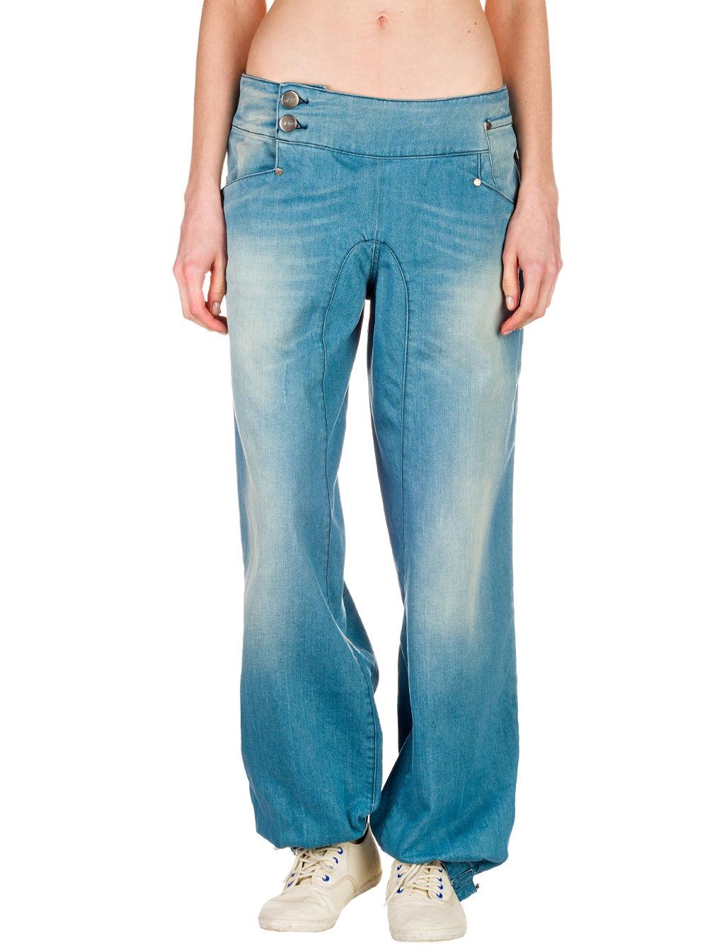nikita-reality-jeans