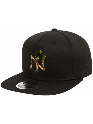 New Era Camo Metal Logo Cap